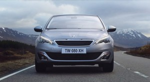 Publicité TV Peugeot 308 II (UK) - « Essence » (2015)