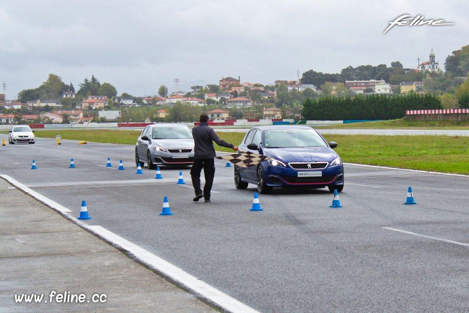 Photo essai circuit Braga Peugeot 308 GTi by Peugeot Sport (2015