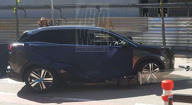 Scoop : première photo volée de la Peugeot 3008 II sans camouflage !