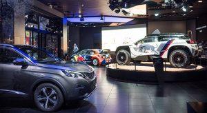 Photos : nouvelle vitrine « We love Dust » chez Peugeot Avenue