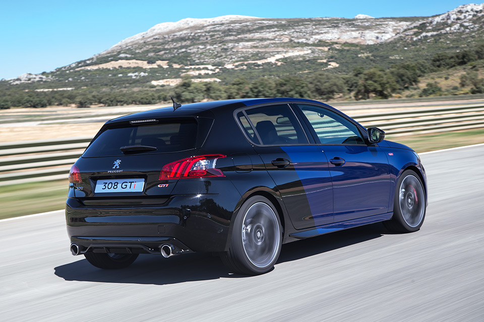 une peugeot 308 gti by peugeot sport de 308 chevaux venir news f line. Black Bedroom Furniture Sets. Home Design Ideas