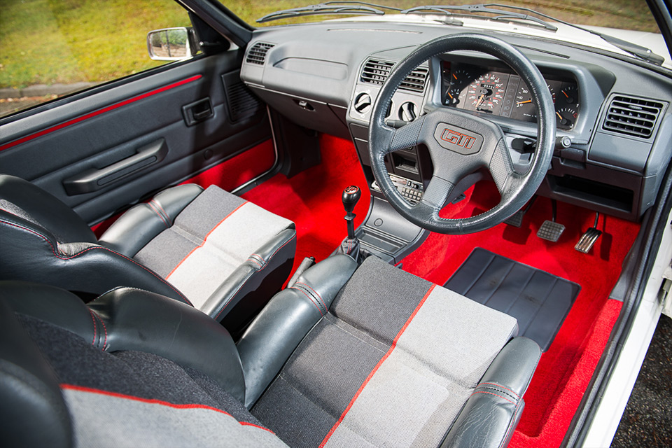 Vente Aux Ench Res 42 900 Pour Cette Peugeot 205 Gti