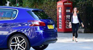Acheter sa Peugeot dans une cabine téléphonique, c'est désormais possible !