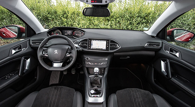 peugeot 308 l i cockpit est le plus bel int rieur de l ann e 2013 news f line. Black Bedroom Furniture Sets. Home Design Ideas