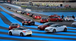 Vidéo : évènement MyPeugeot RCZ R sur le circuit du Castellet