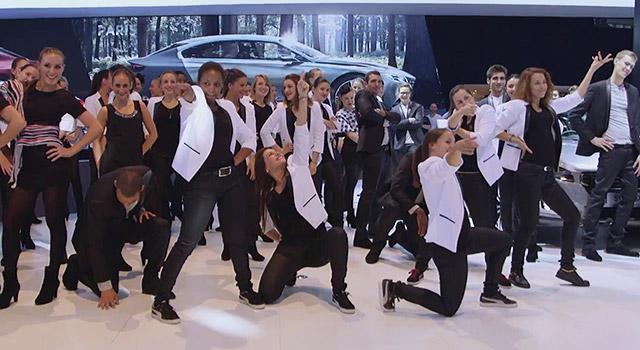 Vidéo : Flashmob sur le stand Peugeot du Mondial de Paris 2014