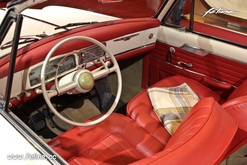 Photo int rieur peugeot 403 cabriolet grand luxe 1960 for L aventure interieur
