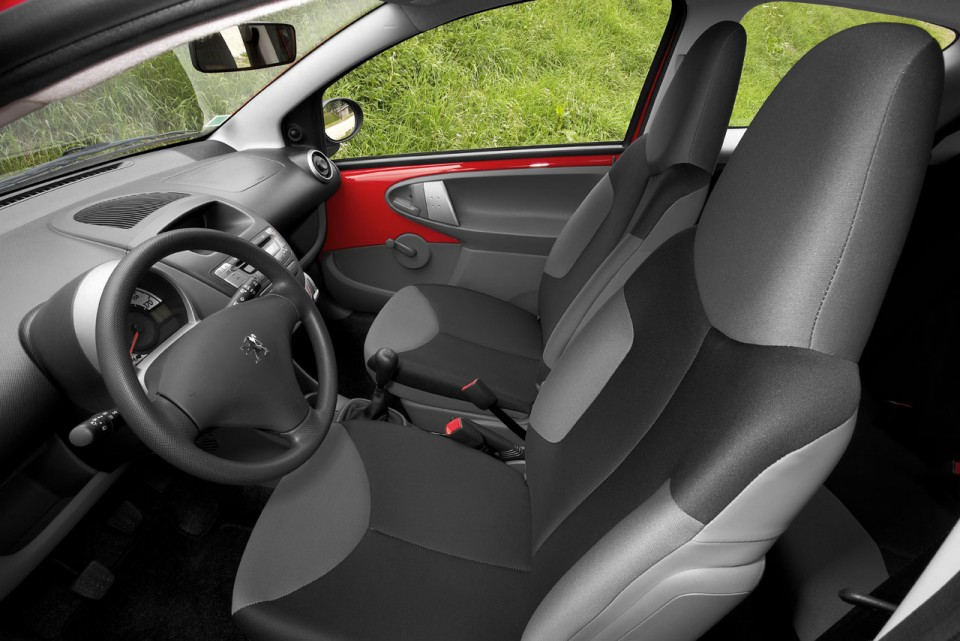 photo int rieur peugeot 107 1 006 photos peugeot f line. Black Bedroom Furniture Sets. Home Design Ideas