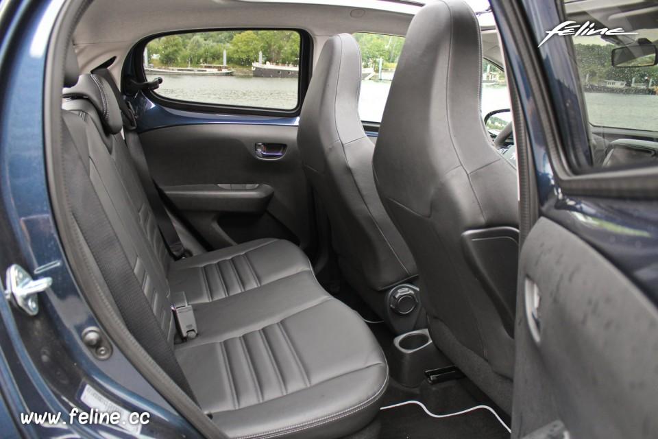 Peugeot 108 interieur voiture galerie for Interieur 108