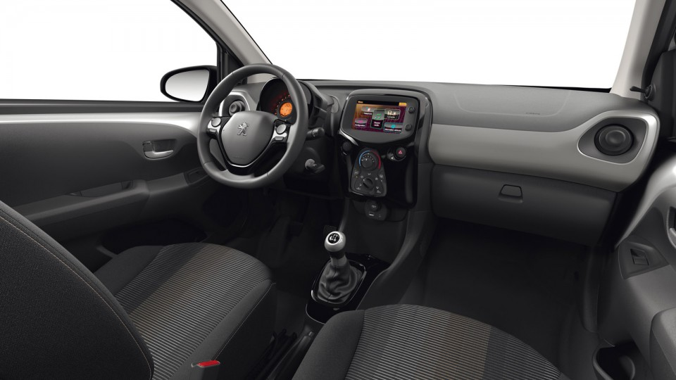 Int rieur maille rayura noir a kinite peugeot 108 top i for Interieur peugeot 108