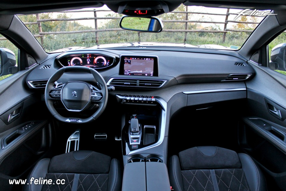 Photo int rieur peugeot i cockpit 3008 gt ii 2016 for Interieur 3008