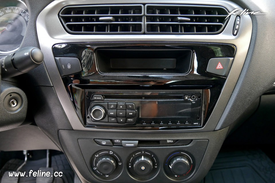 photo autoradio climatisation peugeot 301 active 1 6 hdi 92 201 photos peugeot f line. Black Bedroom Furniture Sets. Home Design Ideas