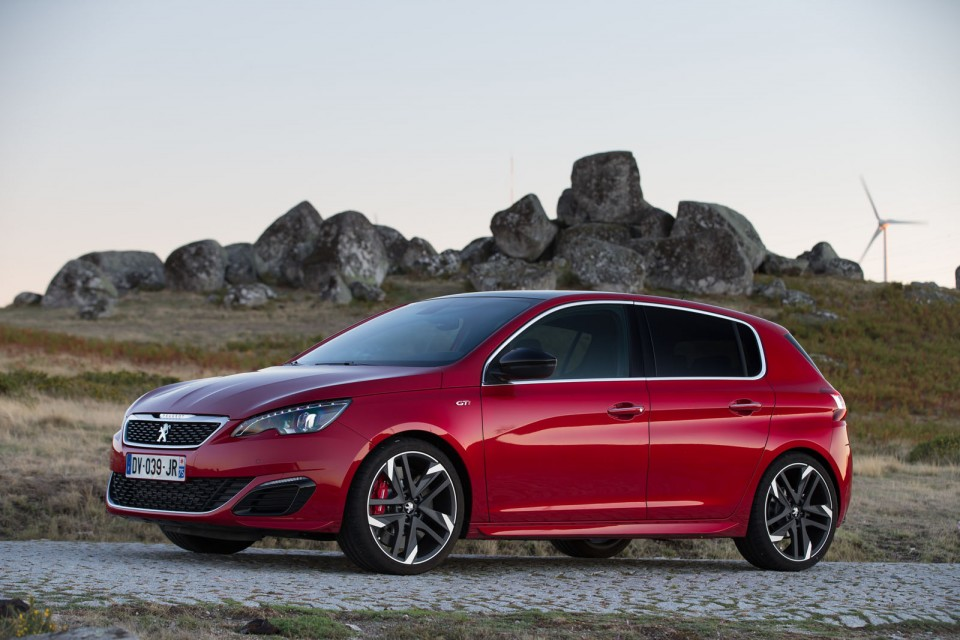 photo peugeot 308 gti rouge ultimate essais 2015 photos peugeot f line. Black Bedroom Furniture Sets. Home Design Ideas