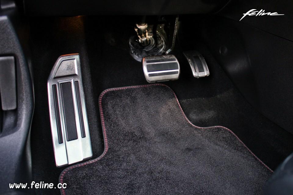 Photo pédalier aluminium Peugeot 308 SW GT Bleu Magnetic ...
