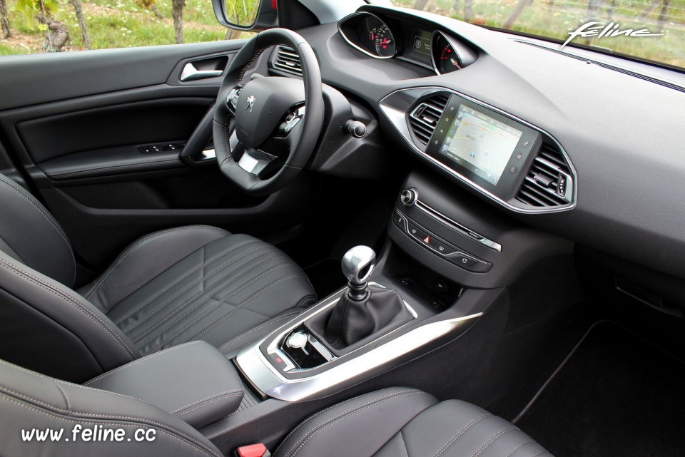 photo int rieur i cockpit peugeot 308 ii f line 1 078 photos peugeot f line. Black Bedroom Furniture Sets. Home Design Ideas