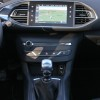 Photo console centrale Peugeot 308 II Allure Rouge Rubi - 1.6 THP 125 ch BVM6 - 3-057