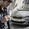 Photo lifestyle homme Peugeot 308 II - 2-119