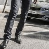 Photo lifestyle homme Peugeot 308 II - 2-120