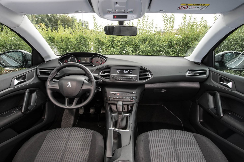 Photo int rieur tissu metax noir mistral peugeot 308 ii for Interieur 308