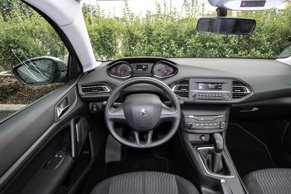 photo int rieur i cockpit peugeot 308 ii access photos peugeot f line. Black Bedroom Furniture Sets. Home Design Ideas