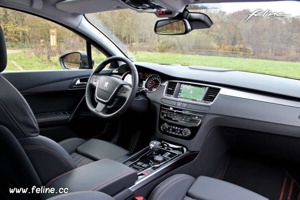 interieur 508 sw vergelijkende test citro n c5 tourer opel insignia peugeot 508 sw 1 6 e. Black Bedroom Furniture Sets. Home Design Ideas