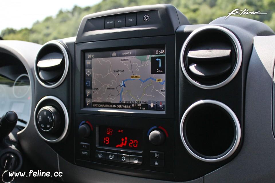 photo navigation gps ecran tactile smeg peugeot partner