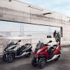 Photo officielle Peugeot Metropolis Rouge Safran et Titane Brillant - 1-001